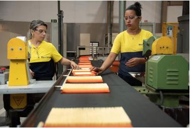 Mulheres ajudam a construir o sucesso da Tecfil