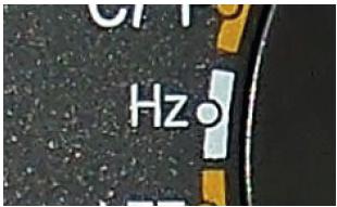 Frequencímetro de um multímetro automotivo